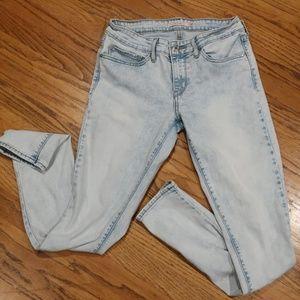 Levis 711 Skinny Fit Jeans. Womens sz 28